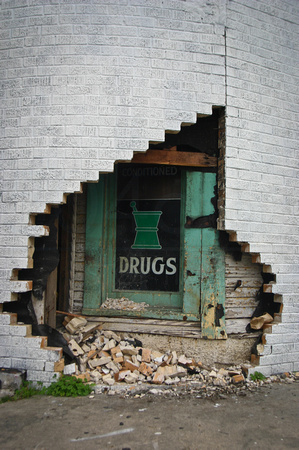 Drugs Hidden in the Wall